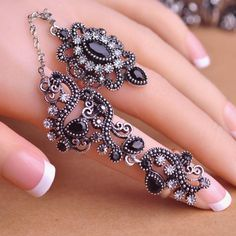 Carved Flowers Vintage Pretty Exquisite Mid Rings Fashion Turkish Jewelry Anel Aneis Masculinos Anillos Anti Gold Accessories Like and share!Visit us: www.jewelryabo.co... #shop #beauty #Woman's fashion #Products #homemade