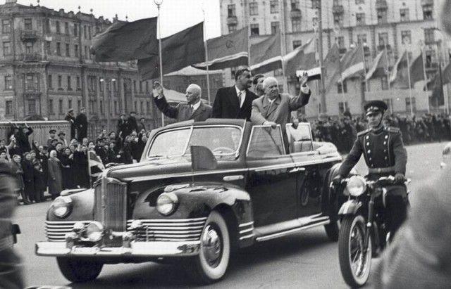 Khruschev in ZIS 110B