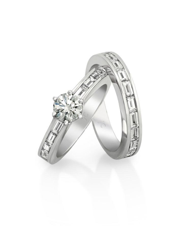 Engagement ring and matching wedding band set with baguette cut diamonds