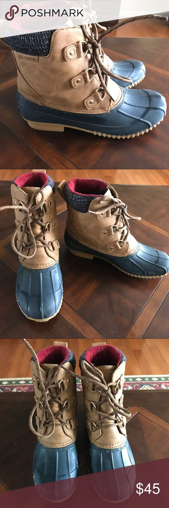 Tommy Hilfiger Duck Boots Womens Tommy Hilfiger Duck Boots, size 9. Have only been wore a few times Tommy Hilfiger Shoes Winter & Rain Boots