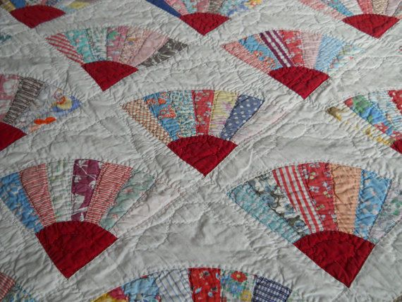 Quilt Pattern For Grandmother S Fan : 1000+ images about FAN FAN QUILTS on Pinterest Grandmothers, Quilt festival and Quilt patterns