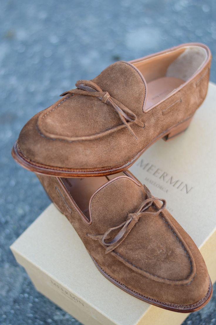 Meermin string loafer in the snuff rapello suede