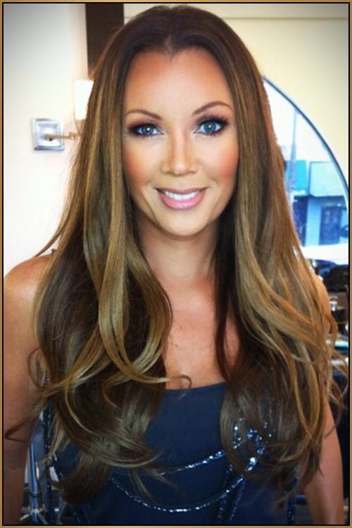 Round face with long straight hair (Vanessa Williams)