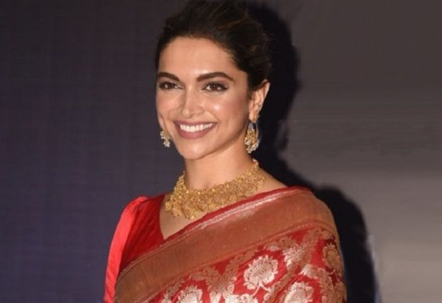 10 Richest Bollywood Actresses And Their Net Worth Bollywood Actress Actresses Bollywood
