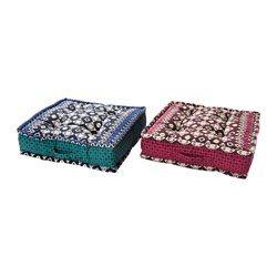IKEA - JASSA, Bodenkissen, Das Kissen ist auf beiden Seiten gleich gemustert - so kann es beidseitig verwendet werden und hält länger.