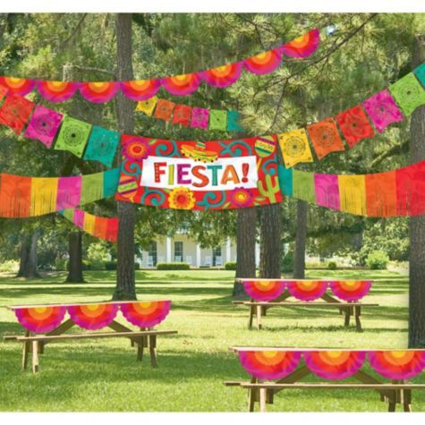 Giant Fiesta Decorating Kit 4pc - Party City