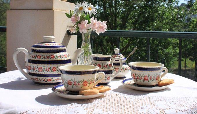 Handmade ❀ Chita Azul - Conjunto de chá em faiança pintado à mão, elaborado em fábrica local e familiar. Decorado com desenho inspirado nos padrões antigos da Chita de Alcobaça (panos de algodão tradicionais). Inspired by Lemon