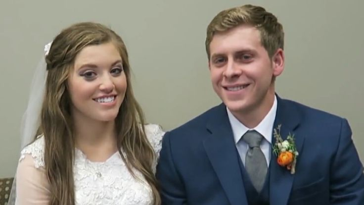 Congrats to Joy-Anna Duggar! The 19 Kids and Counting star married her fiance of nearly three months, Austin Forsyth, in a church full of family and friends, the Duggar family confirmed on their website on Friday.