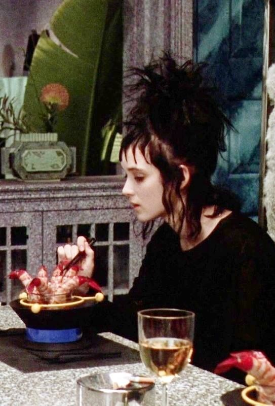 "Winona Ryder è Lydia in ""Beetlejuice""! <3                                                                                                                                                                                 More"