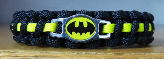 Hey, I found this really awesome Etsy listing at https://www.etsy.com/listing/204109710/batman-cat-collar-paracord-collar