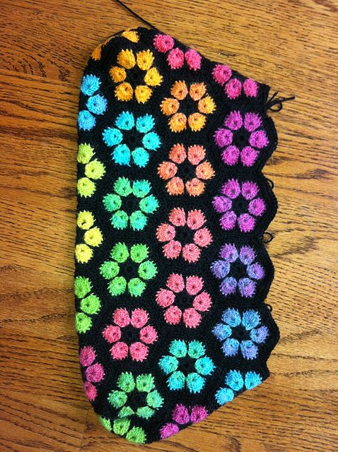 Ravelry: Project Gallery for African Flower Hexagon Crochet Tutorial pattern by Heidi Bears