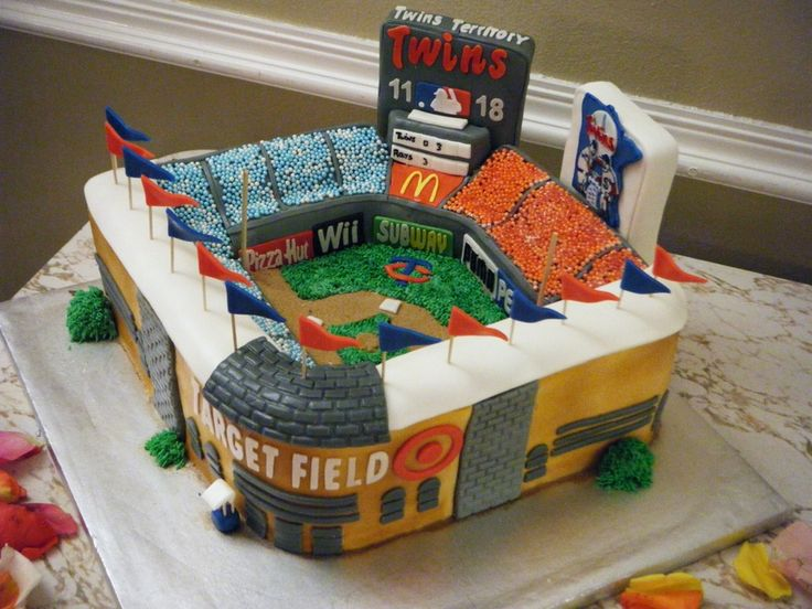 Target Field In Fondant Cakes Cookies And Cupcakes