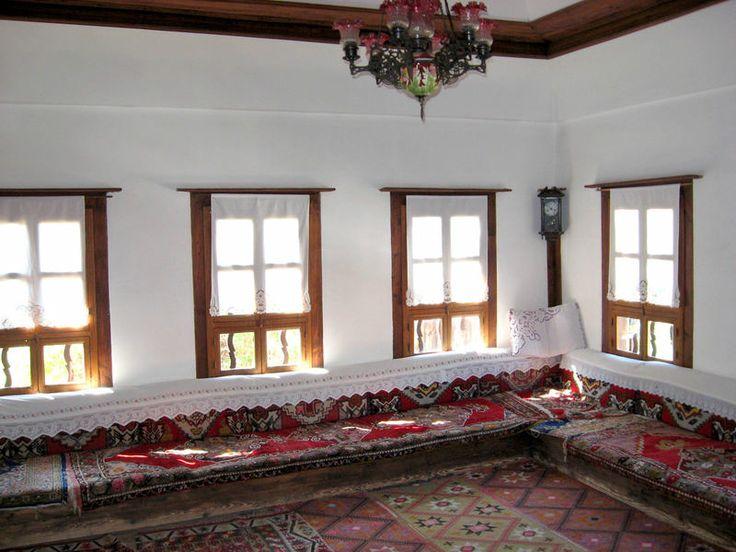 Geleneksel t rk evlerinde mekanlar geleneksel t rk for Ev dekorlari