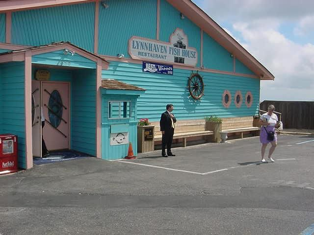 Front Of Lynnhaven Fish House Restaurant Fishing Pier Virginia Beach 2350 Starfish Rd 757 481 7071 Pinterest