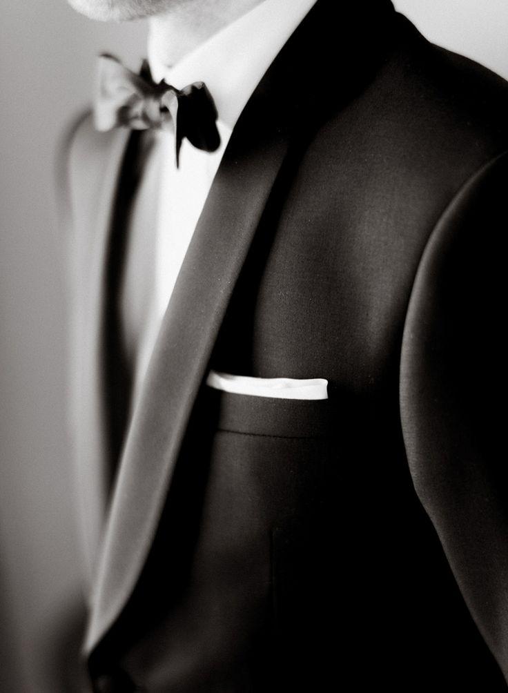 Groom details | photo: ARTIESE (www.artiesestudios.com)    toronto wedding photographer