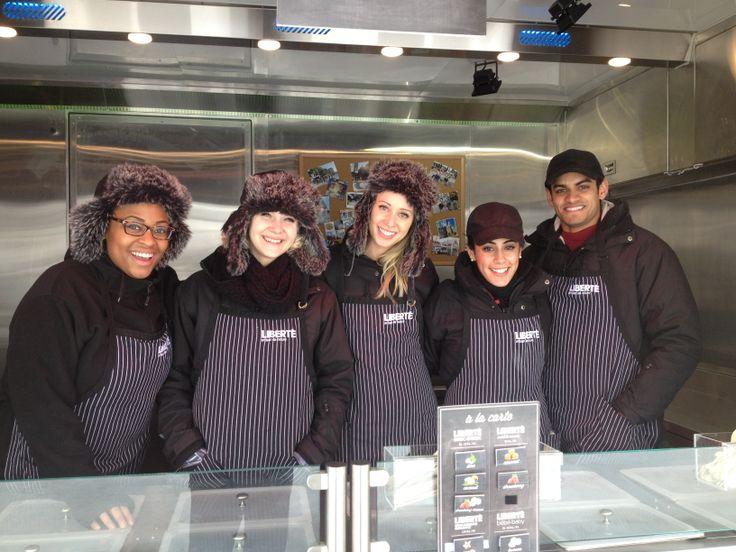 Notre équipe de l'Ontario. Merci pour votre beau travail! - Our team from Ontario. Thank you for your great job!  Barrie Winterfest, 1-02-2014