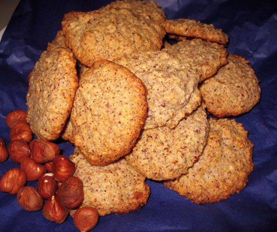 hazelnut cookies (aka biscuits), SO good and SO quick. gluten-free and ...