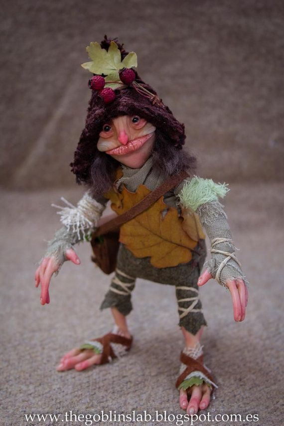 Real PIXIE? OOAK Fantasy Doll. Criatura fantástica pixie de Otoño. MYTHICAL CREATURE. Fairies and Goblins.  Handmade. Ooak Doll. criatura fantástica por GoblinsLab. Criaturas Mágicas de Fantasía hechas a mano, por el artista Moisés Espino. The Goblin´s Lab. Madrid. Criaturas 100% hechas a mano. Duendes, Hadas, Trolls, Goblins, Brownies, Fairies, Elfs, Gnomes, Pixies....  *Artist Links:  http://thegoblinslab.blogspot.com.es/ https://www.etsy.com/shop/GoblinsLab…