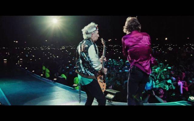 """Sempre più Rolling Stones, dopo il Desert Trip il nuovo album I Rolling Stones si sono esibiti con uno straordinario concerto al Desert Trip, concedendosi il lusso di fare una cover del brano """"Come Together"""" dei Beatles, suonando anche un brano dal loro prossim #musica #youtube"""