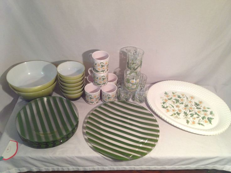 Large Set Lazy Daisy Green U0026 White Plastic Patio Dishes, Cups U0026 Platters  Mela