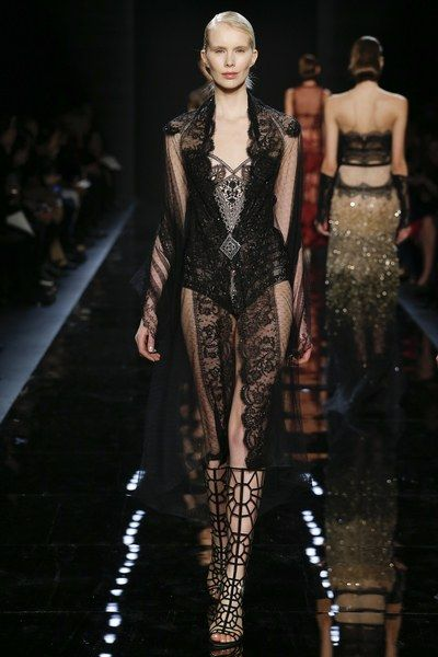See the complete Reem Acra Fall 2016 Ready-to-Wear collection.