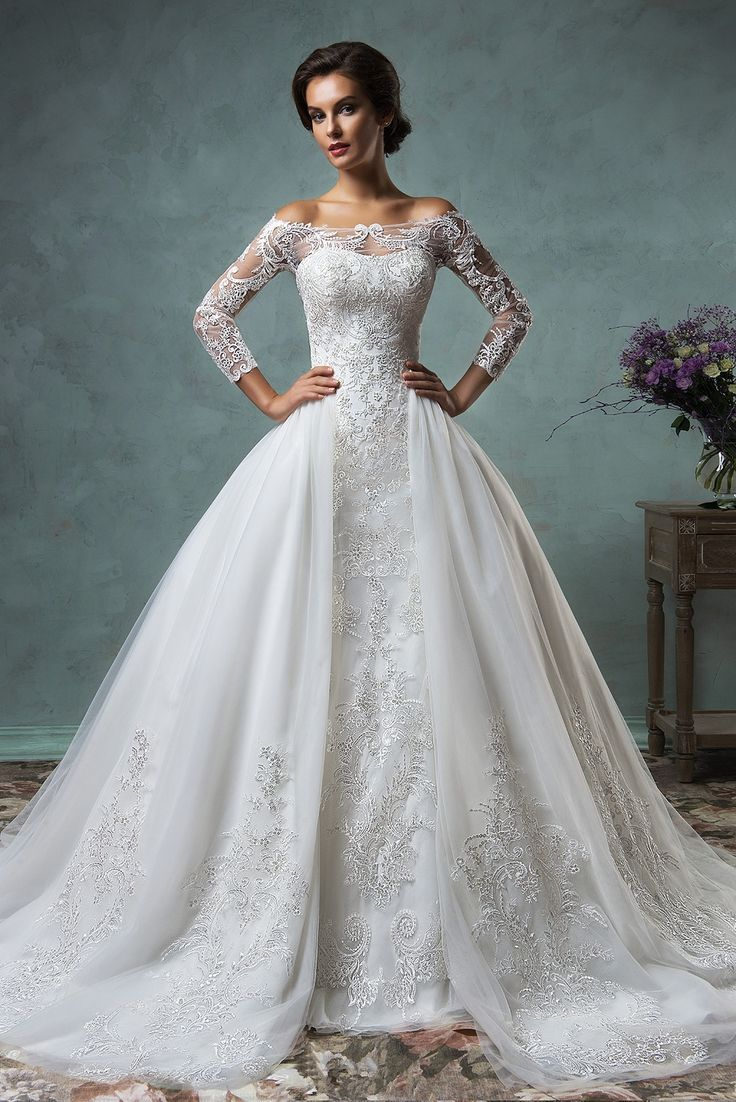 Awesome Elegant Tulle Long Sleeve Wedding Dress Lace Appliques Ball Gown High Quality