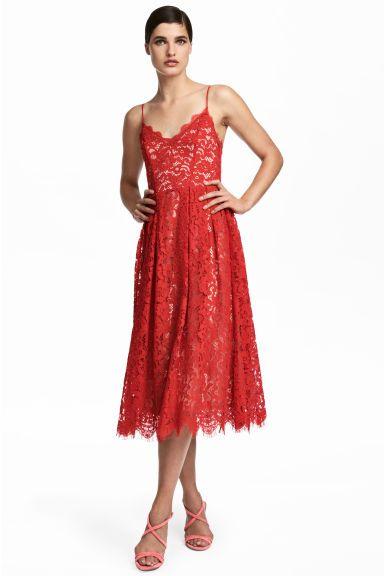 Lace dress Model