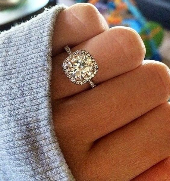 cushion cut halo wedding engagement rings: