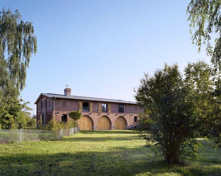 Zamieszkać w… stodole. //Live in the barn…// Nowy post na blogu. Niesamowita transformacja starej stodoły w Niemczech. Zapraszam.: http://interiorsdesignblog.com/zamieszkac-w-stodole-live-in-the-barn/