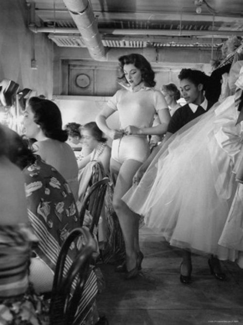 Dressing room, 1950's.  Photo by Nina Leen: Nina Leen, Black White Photo, Islands Fame, Tina Myers, York Cotillion, Gilligan Islands, New York, Tina Louise, 1950 S