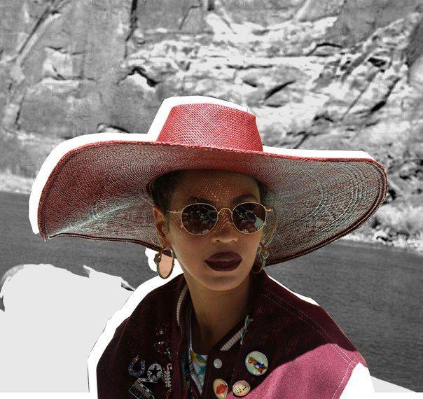 Beyonce любит и любима, и делится своей радостью с поклонниками через tumblr. Певица показала фото с прошлой годовщины свадьбы, которую Картеры провели на Большом Каньоне - одно из самых живописных мест Америки / Part 1