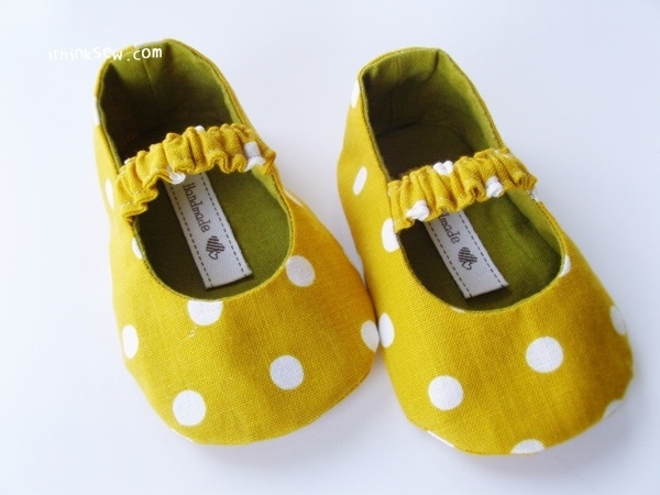 Mary Janes baby shoe pattern