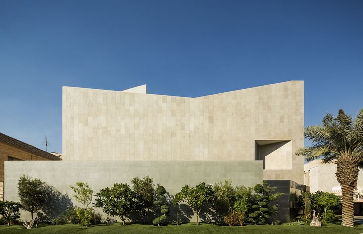 Wall House,© Nelson Garrido