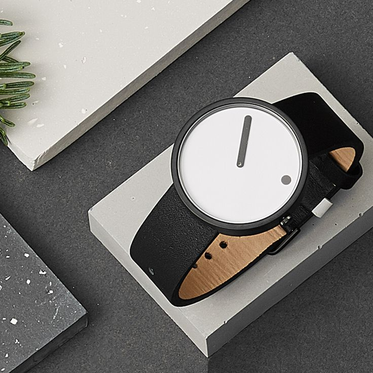 A steel dot marking the hours represents the earth moving, while the linear minute hand moves as normal. #watches #design