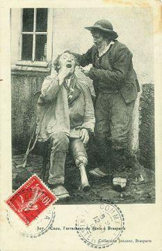 L'arracheur de dents sur la place publique : La France rurale en 1900 - Linternaute.com Actualité