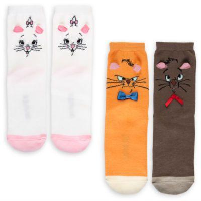 Porta a spasso i più amati felini Disney con questi divertenti calzini degli Aristogatti! La splendida confezione include due diversi design decorati con colorate immagini dei personaggi e graziose orecchie 3D.