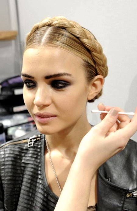 Rezultatele căutării de imagini Google pentru http://www.newhairstyles7.net/wp-content/uploads/2012/08/df980__2012-Braided-Hairstyle-Trends-For-Women-9.jpg