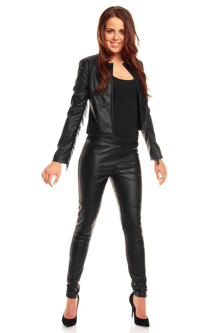 Atrakcyjny żakiet damski w kolorze czarnym
