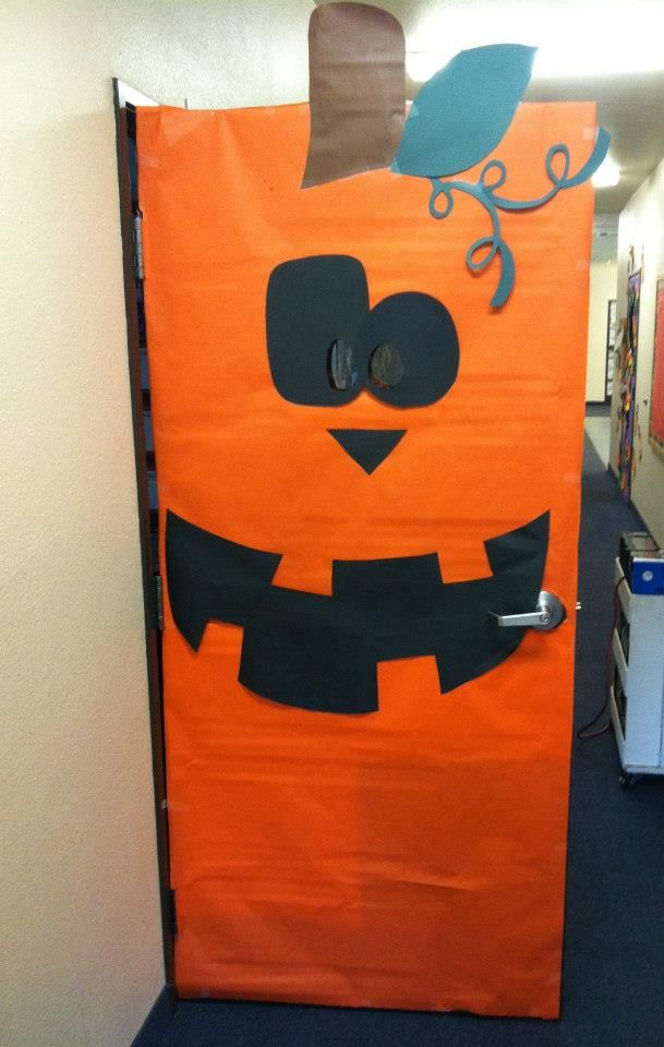 pumpkin door decoration something easy and colorful
