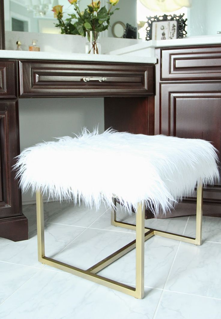 Faux Fur Vanity Stool Makeover for $35 - I love this!