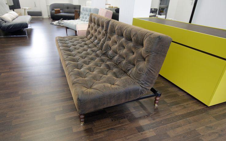 die besten 25 braunes sofa ideen auf pinterest braune couch dekoration sofa braun und. Black Bedroom Furniture Sets. Home Design Ideas