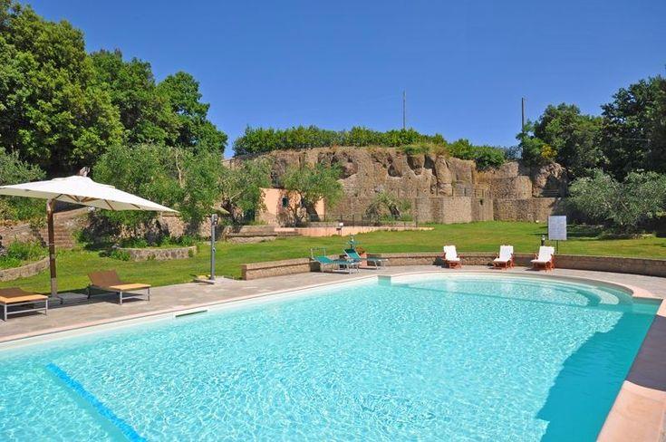 Weer zo'n leuk vakantieadresje! Dit vakantiehuis ligt in het zuiden van Toscane, is heerlijk ruim opgezet en ligt vlakbij het historische en sfeervolle stadje Pitigliano.