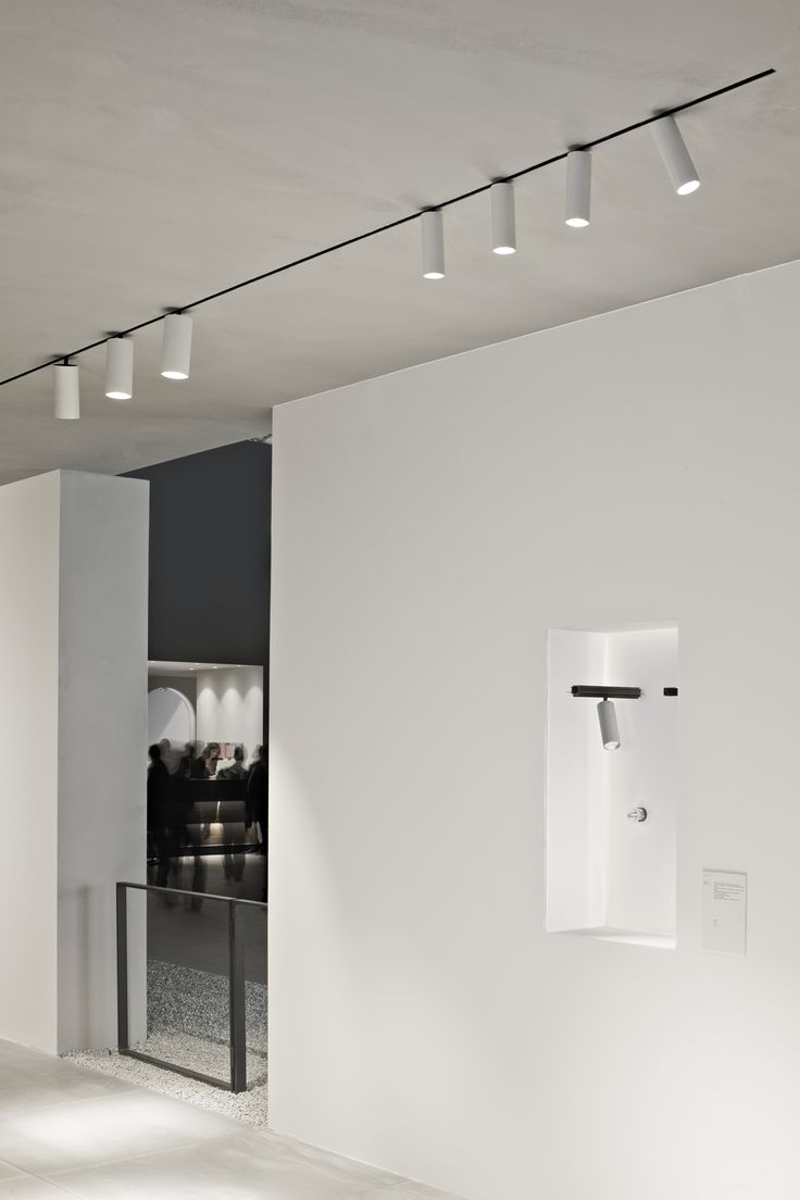 Thanks to cutting-edge technologies and unique design approach, Flos Architectural is making a statement of its capability to set a true dialogue between the different languages of lighting product and architecture. The relationship between light and architecture, between performance and emotion, is brought to new standards. #LightundBuildingFair #FlosSoftArchitecture