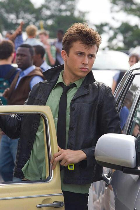 Footloose (2011) AHHHH HE IS SOO ADORABLE!! I think I love willard more though!!