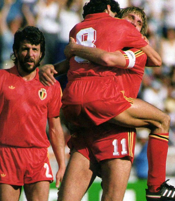 1986 - Belgium vs Soviet Union in the 1/16th finals of the World Cup, Mexico. Belgium wins 4-3 after extra time, despite a hattrick from Belanov. On the picture: Eric Gerets, Jan Ceulemans, Enzo Scifo.