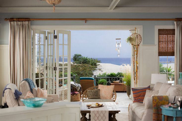 30 best grace and frankie beach house images on pinterest beach homes beach houses and. Black Bedroom Furniture Sets. Home Design Ideas