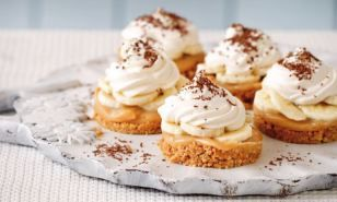 Mary Berry food special: Mini banoffee pies | Daily Mail Online