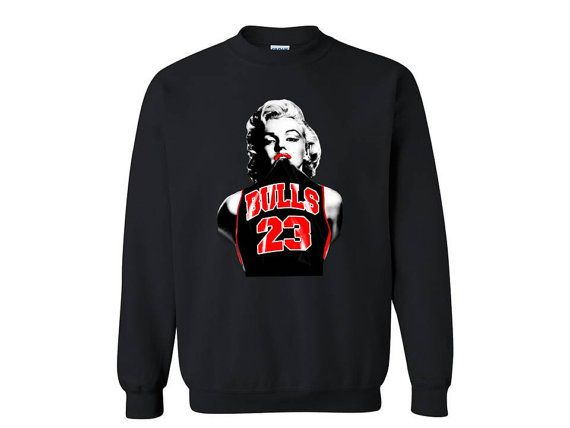 Marilyn Monroe Bulls 23 Crewneck. Chicago Bulls 23 Unisex Crewneck Sweater. Sexy Marilyn Monroe Sweater. Chicago Bulls Pullover Sweater.