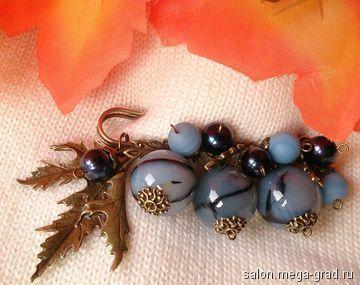 Брошь булавка с крупными агатами и натуральным синим жемчуго - украшения из камня, дизайнерская брошь. МегаГрад - город мастеров