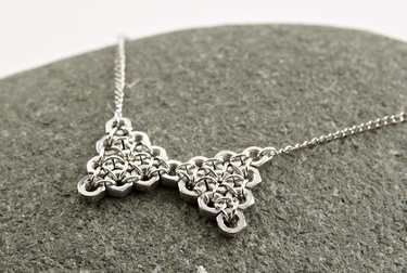 these are so darn cute.  Hex nut jewelry.. what a great gift for the handy girl on your list!